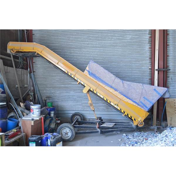 Lot: 11 - Keulmac Inclined Portable Conveyor Elevator Unloader,